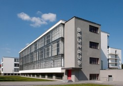 Bauhaus-Dessau.jpg
