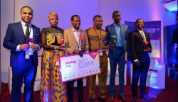 remise de prix Startup Of The Year Africa 2.jpg
