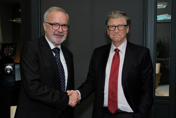 Bill Gates and European Investment Bank President Hoyer agree to accelerate support for human development and climate action