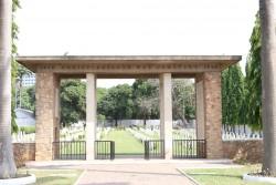 Commonwealth War Graves Cemetery.jpg